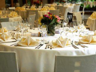 Catering og diner transportable til fest.
