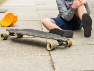 barn dreng leg fortotv