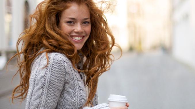 ung pige kvinde smil tænder glad