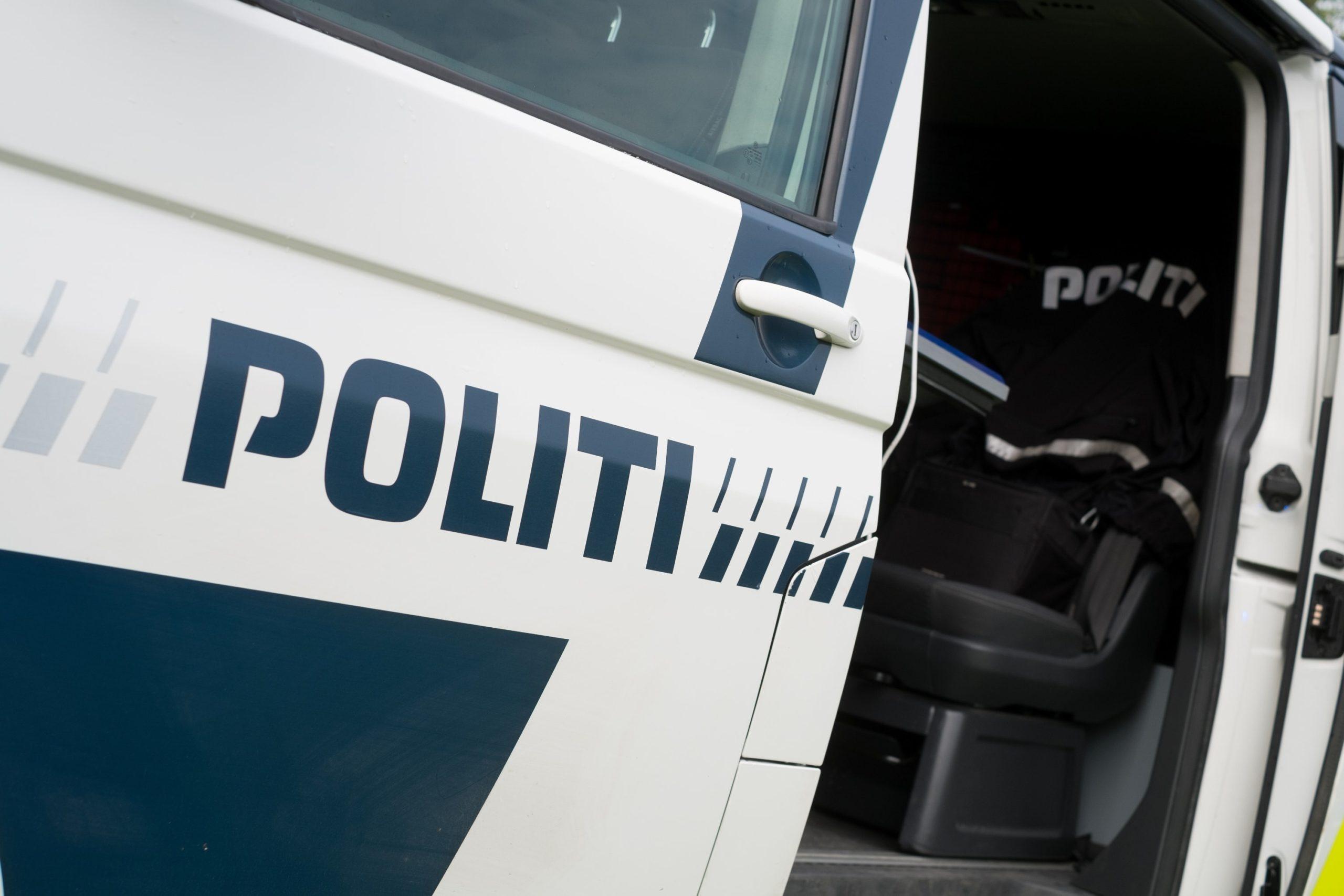 politibil dør